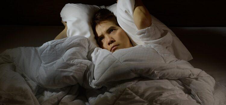 Wszystko co musisz wiedzieć na temat bezsenności i jej leczenia