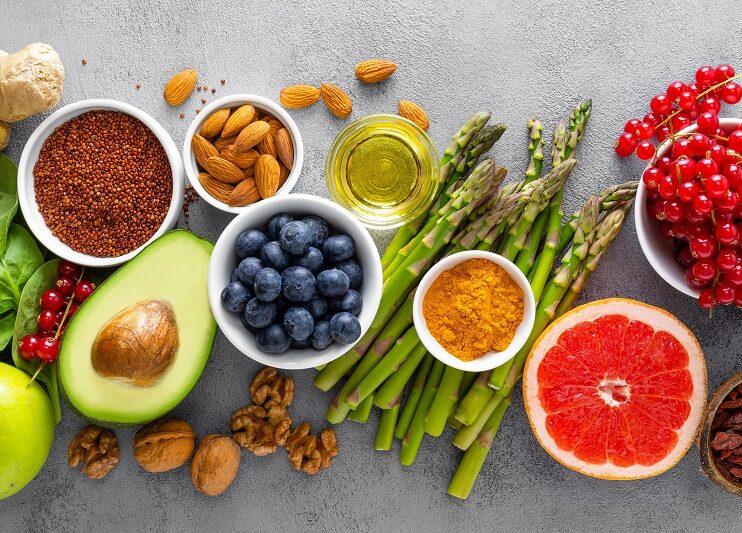5 sposobów odżywiania pomocnych w walce z koronawirusem