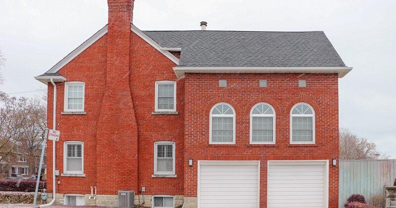 Projekty domów parterowych z garażem jednostanowiskowym – dla kogo to dobre rozwiązanie?