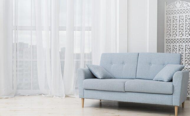 Czyszczenie tapicerki meblowej – czy warto skorzystać z usług warszawskich specjalistów?