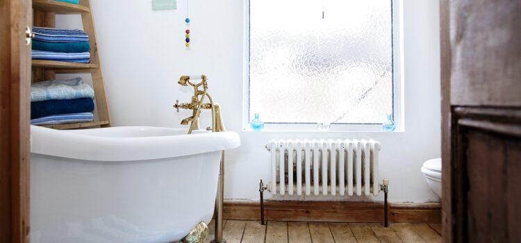Grzejniki łazienkowe – chrom czy malowanie proszkowe?