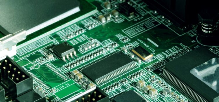 Projektowanie PCB – błędy popełniane przy projektowaniu układu obwodu drukowanego, rodzaje płytek i inne ważne kwestie