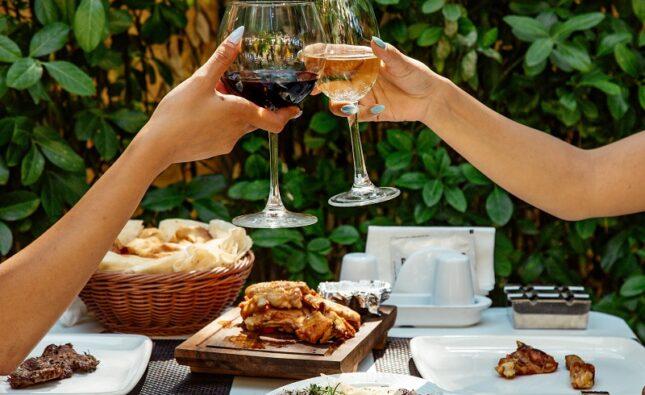 Wina z Wrocławia – idealny prezent dla nowożeńców!