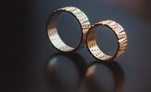Obrączki ślubne – klasyczne czy oryginalne?