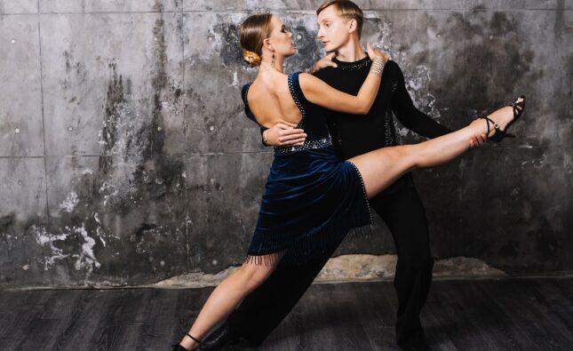 Jak działa nauka tańca online? Nauka salsy online