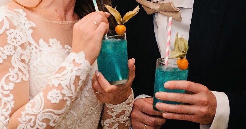 Wódka na wesele – popularne marki, liczba butelek, cena. Gdzie ją kupić?